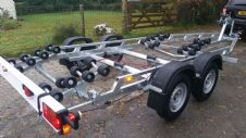 EXTREME 2400kg SUPER ROLLER BOAT TRAILER - 32 ROLLERS WITH SWING CRADLES - 21ft BOATS or 7m RIBS